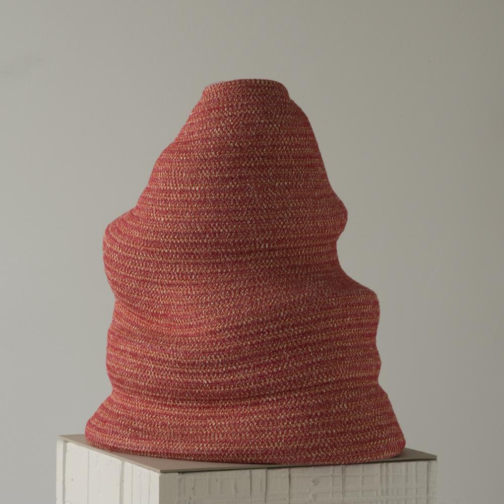 """Bertrand Alberge - plasticien - sculpture de coton - """"Vibration rouge"""""""